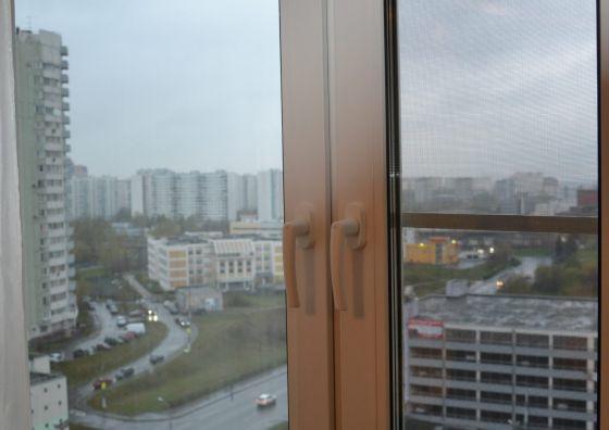 Замена деревянного окна на кухне пластиковым