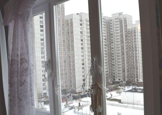 Монтаж пластикового окна в гостиной