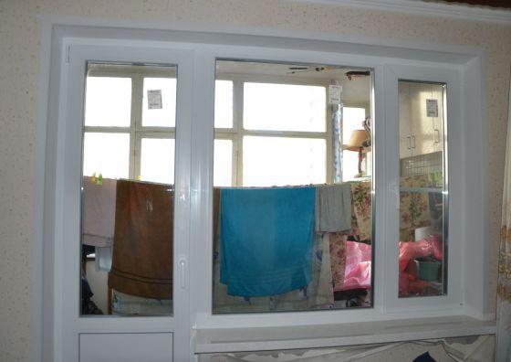 Установка балконного блока из пластика