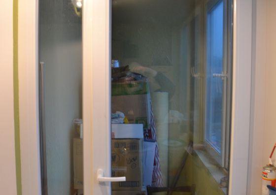 Установка балконной двери и остекление балкона