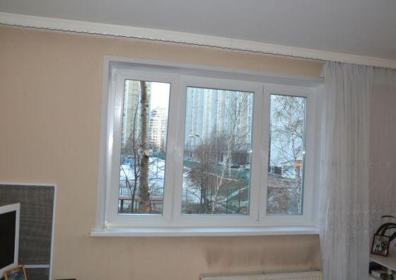 Монтаж трехстворчатого окна в гостиной