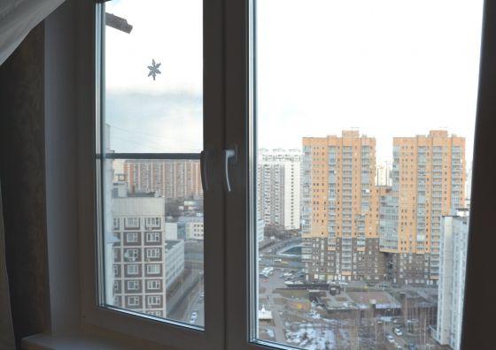 Демонтаж и установка окна в гостиной