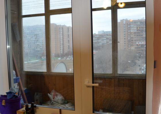 Установка балконного блока в гостиной