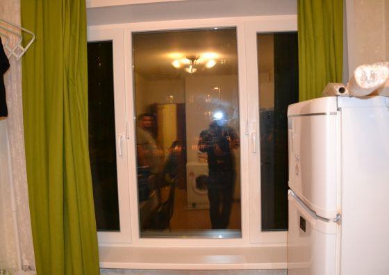 Монтаж трехстворчатого окна на кухне