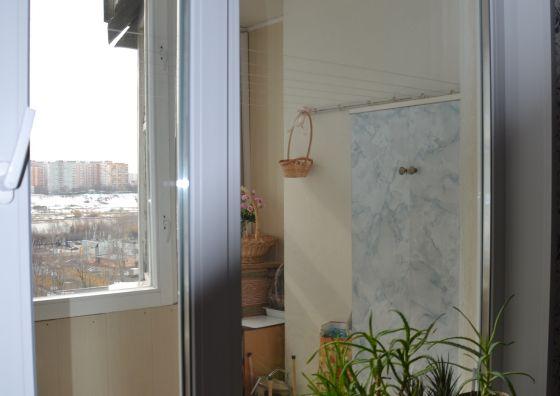 Замена блока балкона, монтаж подоконника