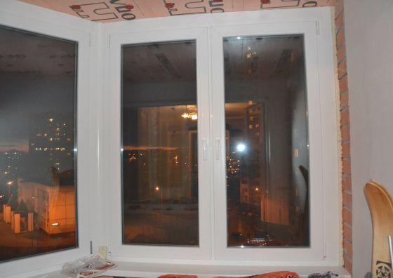Остекление балкона и монтаж балконного блока